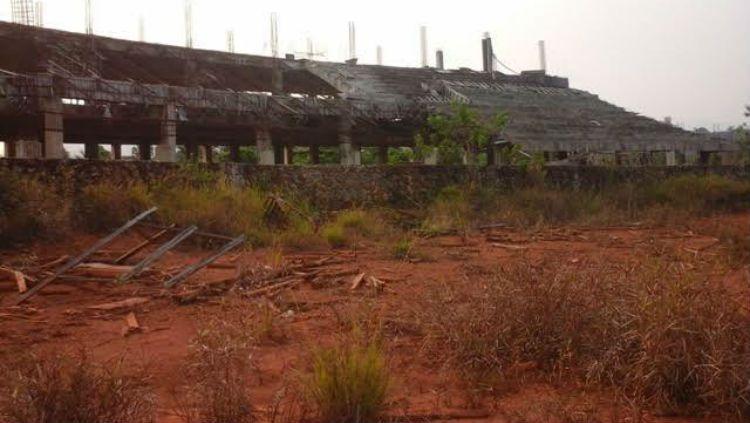 Penampakan Stadion Malili setelah mangkrak beberapa tahun