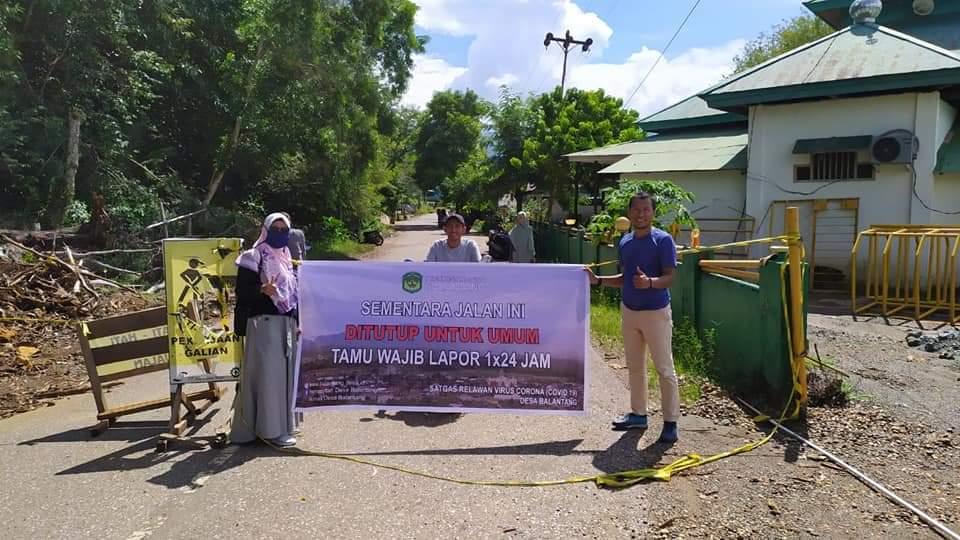 Penutupan akses jalan menuju Pelabuhan PT.Vale Indonesia oleh Warga Balantang