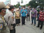Anggota DPRD Lutim Temui Warga Demo