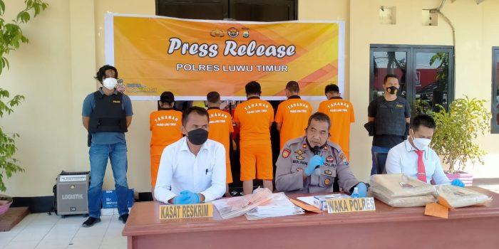 Kades dan Staf Desa di Lutim Tersangka Kasus Dugaan Korupsi, Ada DPO Kejaksaan
